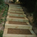 Экотротуар используется в строительстве лестницы