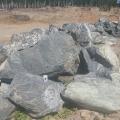 Змеевик или серпентинит - это горная порода, состоящая из минералов группы серпентина.